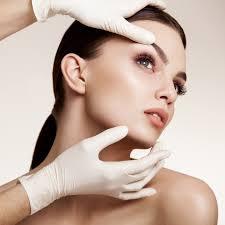 Miracolul modern: interventia chirurcicala de lifting facial