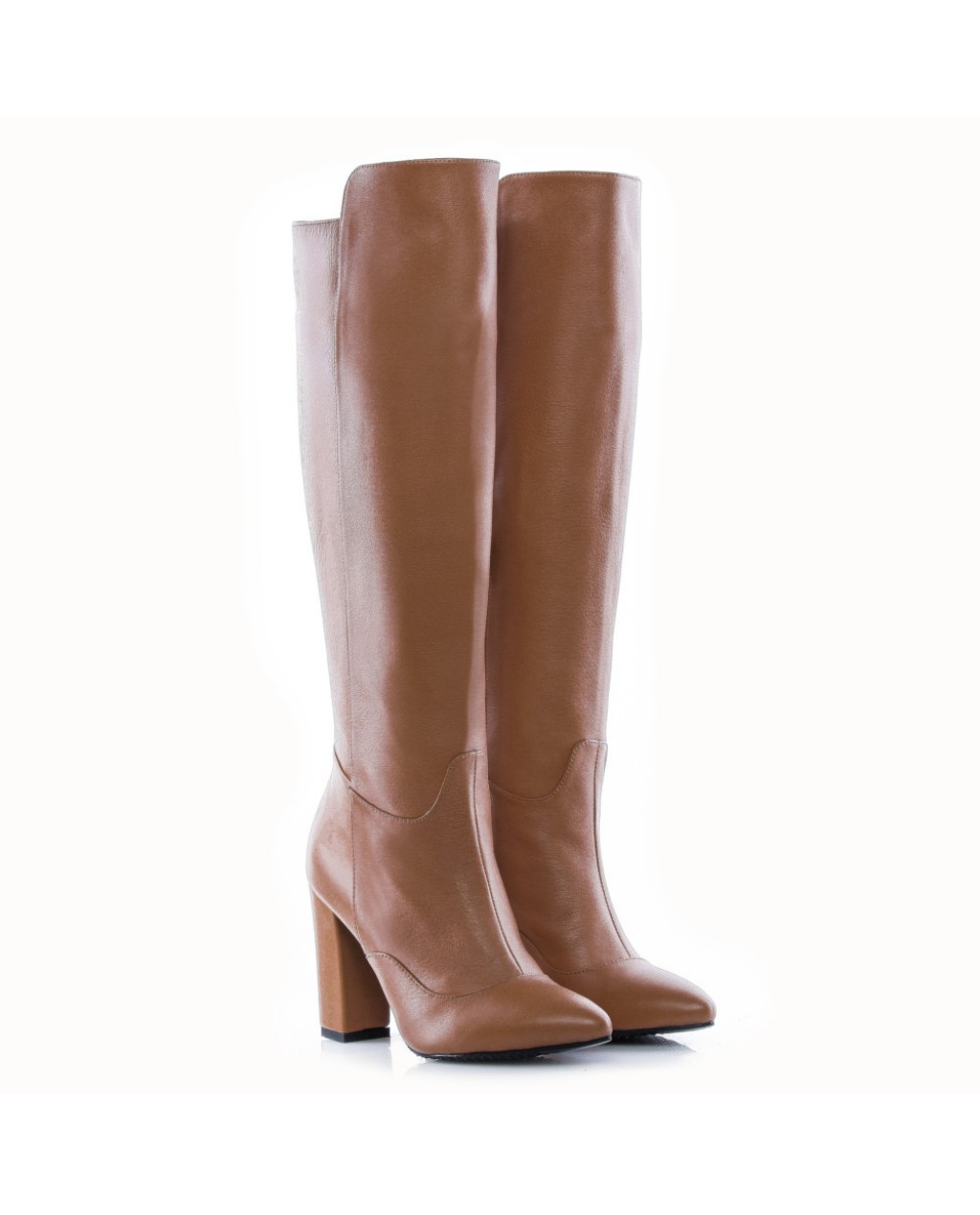 Ce cizme de dama alegem? Cu toc sau fara?
