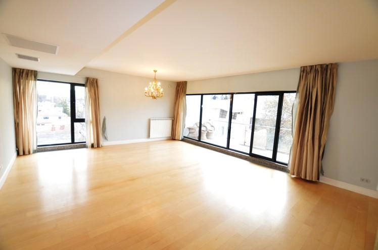 Descopera sectiunea de inchirieri apartamente din oferta Regatta Imobiliare