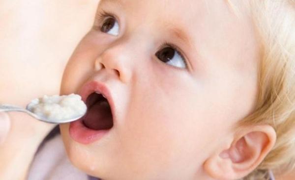 Iată principalul motiv pentru diversificarea meniului la bebeluși!