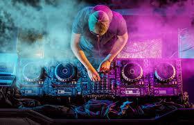 Evenimentele SOC ale anului 2017. Un DJ si-a gasit sfarsitul pe scena, iar altul a devenit sot