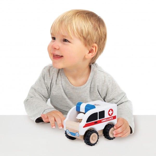 6 motive pentru care jucariile din lemn sunt mai bune decat jucariile din plastic