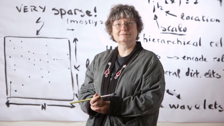 L'Oreal ofera un premiu de 100.000 de dolari unei profesoare de matematica! Iata ce a descoperit profesoara si cum a castigat premiul!