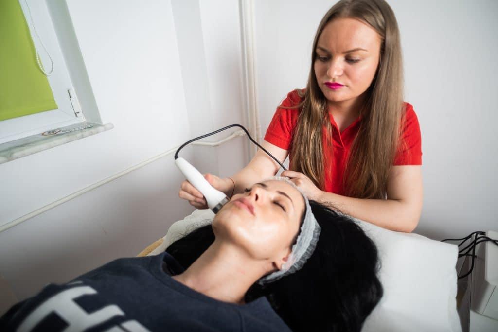 Tratament cu ultrasunete pentru remodelare si relaxare
