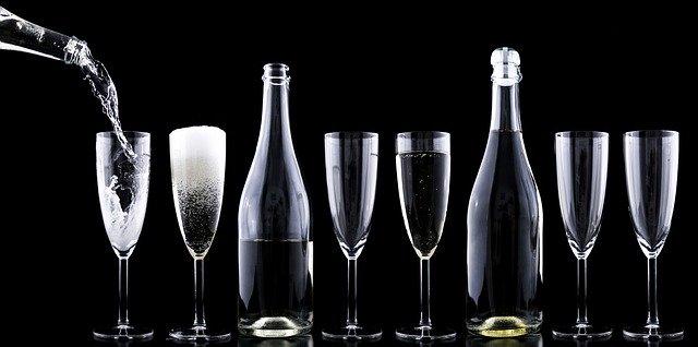Alege oricand petrecerile corporate la J'adore Ballroom