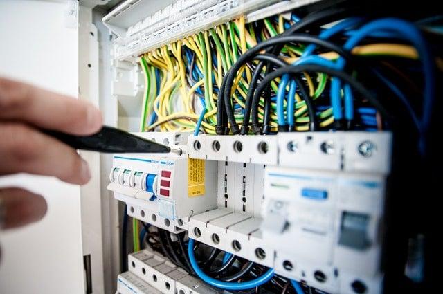 Asigura-te ca sistemul electric al casei este in siguranta – lista de verificare