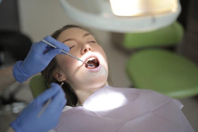 Implant dentar Fast & Fixed – Implanturi premium SKY