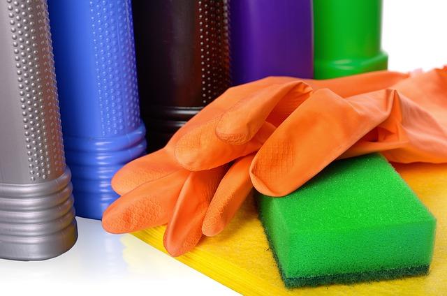 Care sunt produsele de curatare esentiale pentru o curatenie garantata