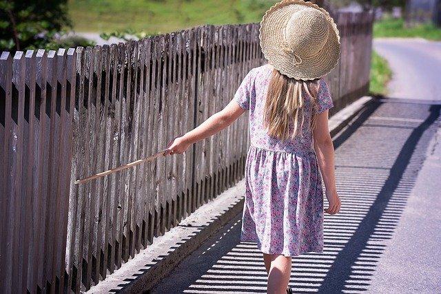 Cum iti poti ajuta copilul sa isi faca prieteni noi