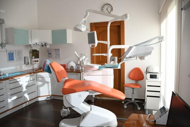 Implantul dentar Fast&Fixed