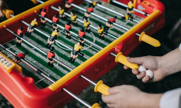 Cate calorii poti arde jucand fotbal de masa?